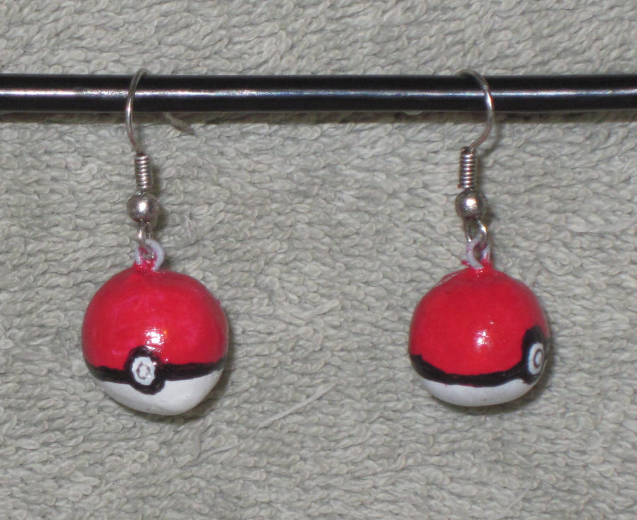 Pokeball earrings by StuffiezPlz