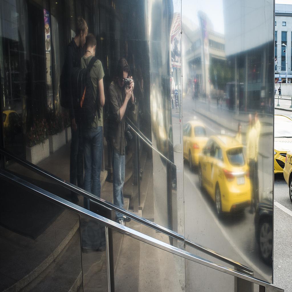 IMAGE: http://fc07.deviantart.net/fs70/f/2013/045/1/8/untitled_by_mag1cmushroom-d5uytdu.jpg