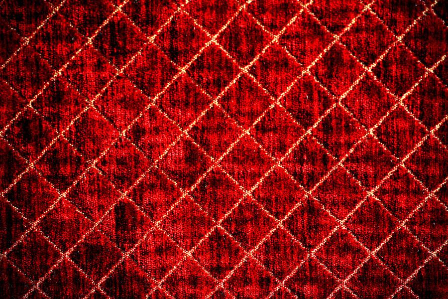 red diamonds background-#16