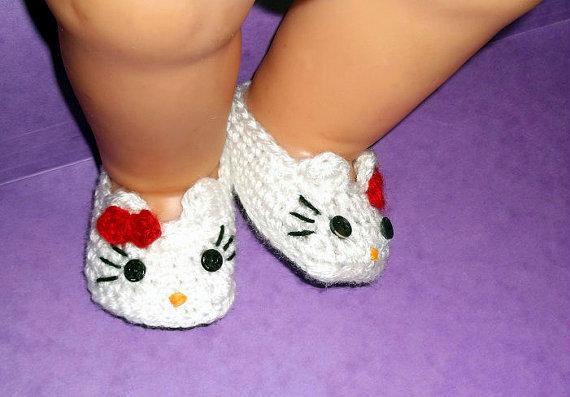 Hello Kitty Baby Booties Crochet Pattern by PatternStudio