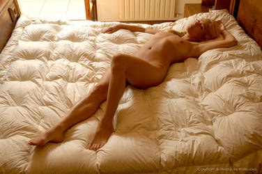 Girl on the Bed, n.23 by Carnisch