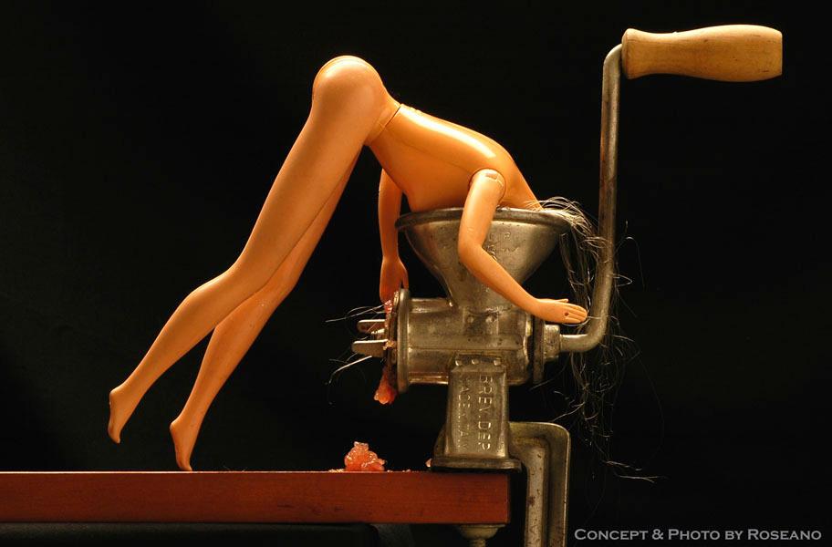 Barbie Suicide, n.4 by Carnisch
