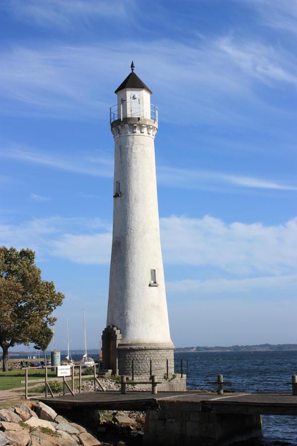 Lighthouse 2 by CAStock