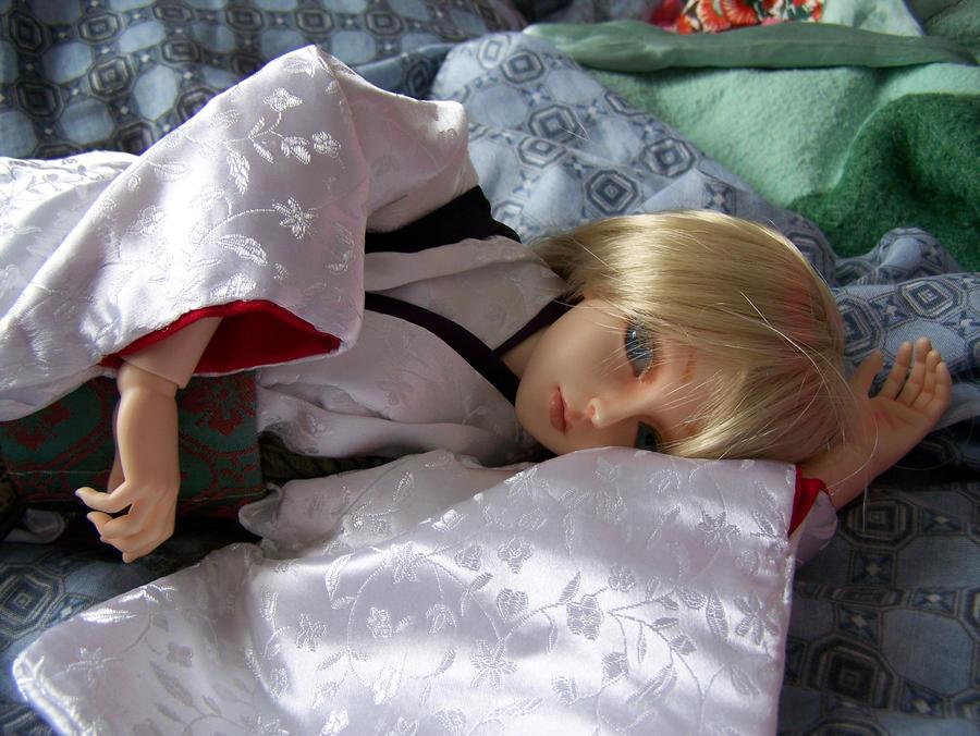 Keikai Luts Elf Yder lying down by AcexKeikai