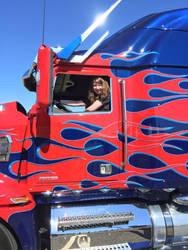In Optimus Primes drivers seat by TheHiddenPredacon