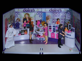 Shopping at Claires by WeirdFantasticToys