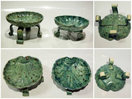 Leggy Shell Bowls