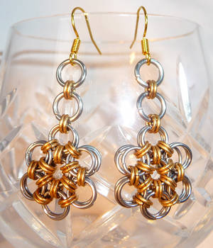 Daisy Chain - Chainmaille Earrings