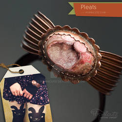 Pleats Copper Bangle with Pink Agate