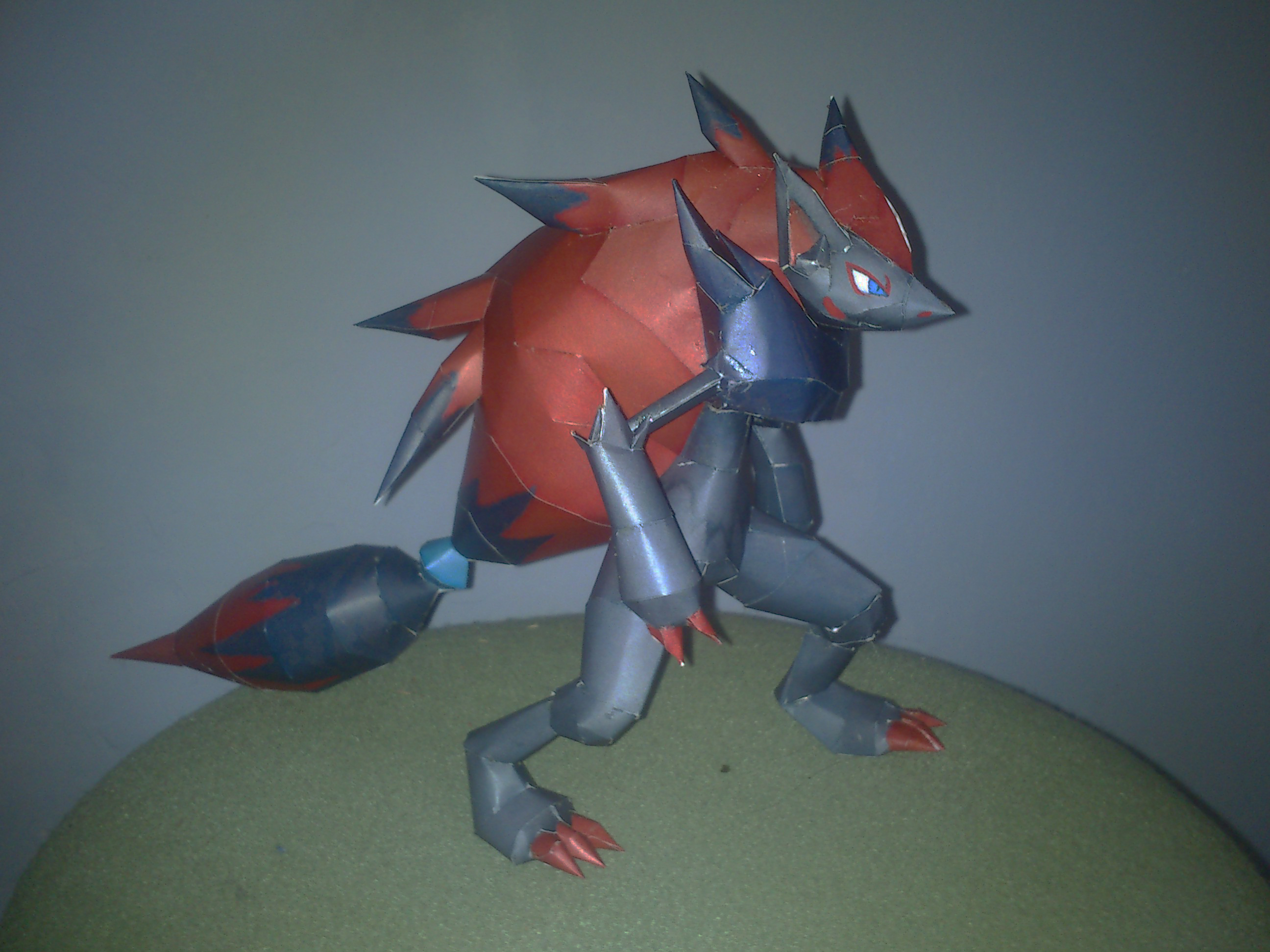 Zoroark Papercraft by Sabi996