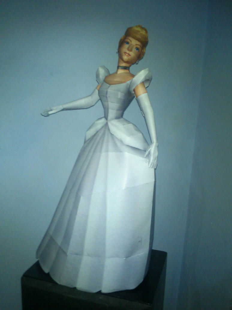 Cinderella Papercraft + Download by Sabi996