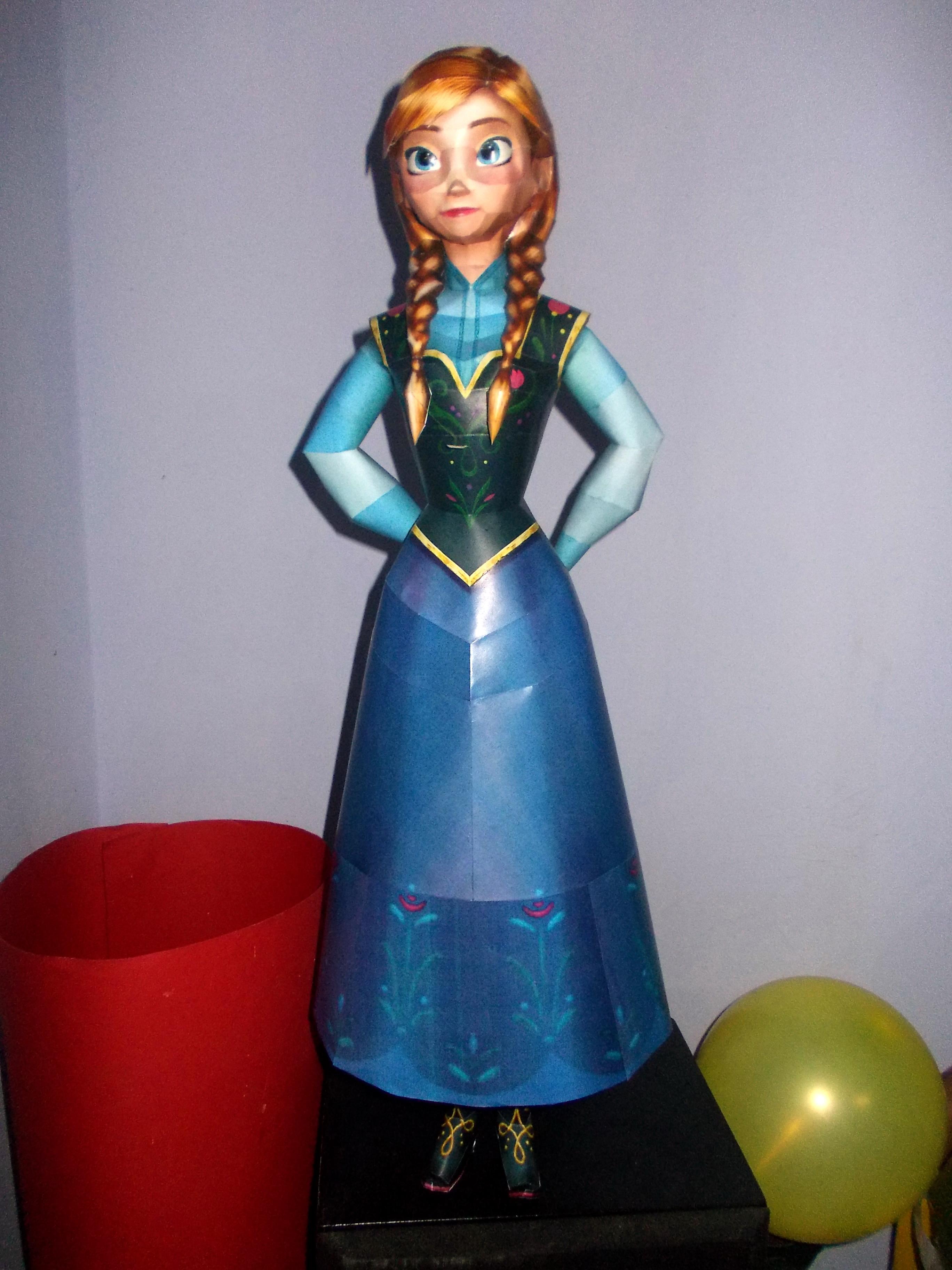 Anna (Frozen) Papercraft by Sabi996