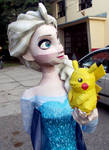 Elsa and her Pikachu Papercraft by Sabi996
