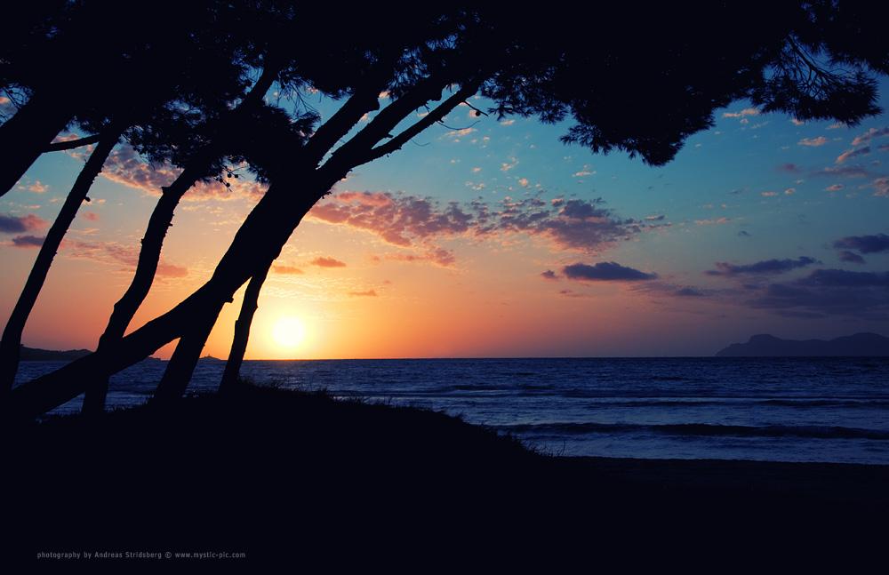 Alcudian Sunrise by Stridsberg