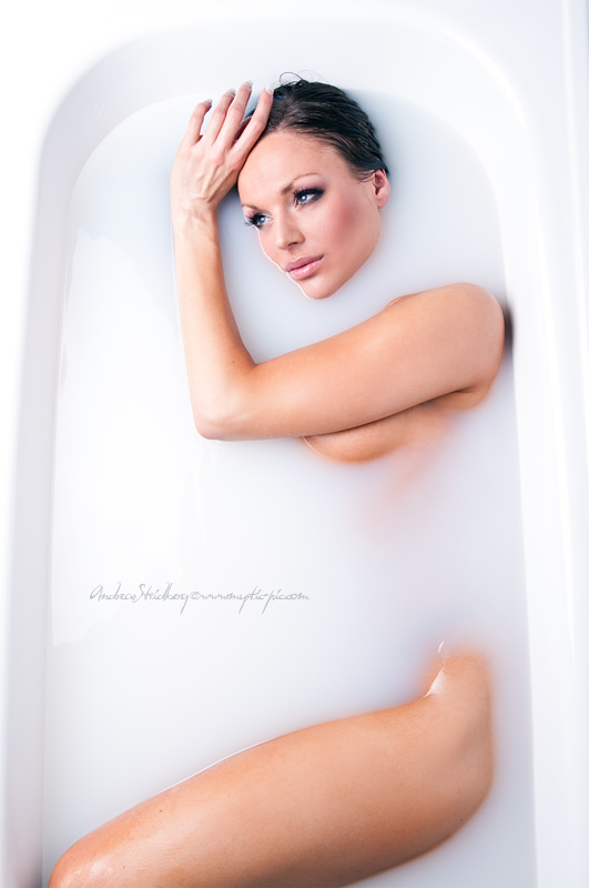 Hot in the Tub by Stridsberg