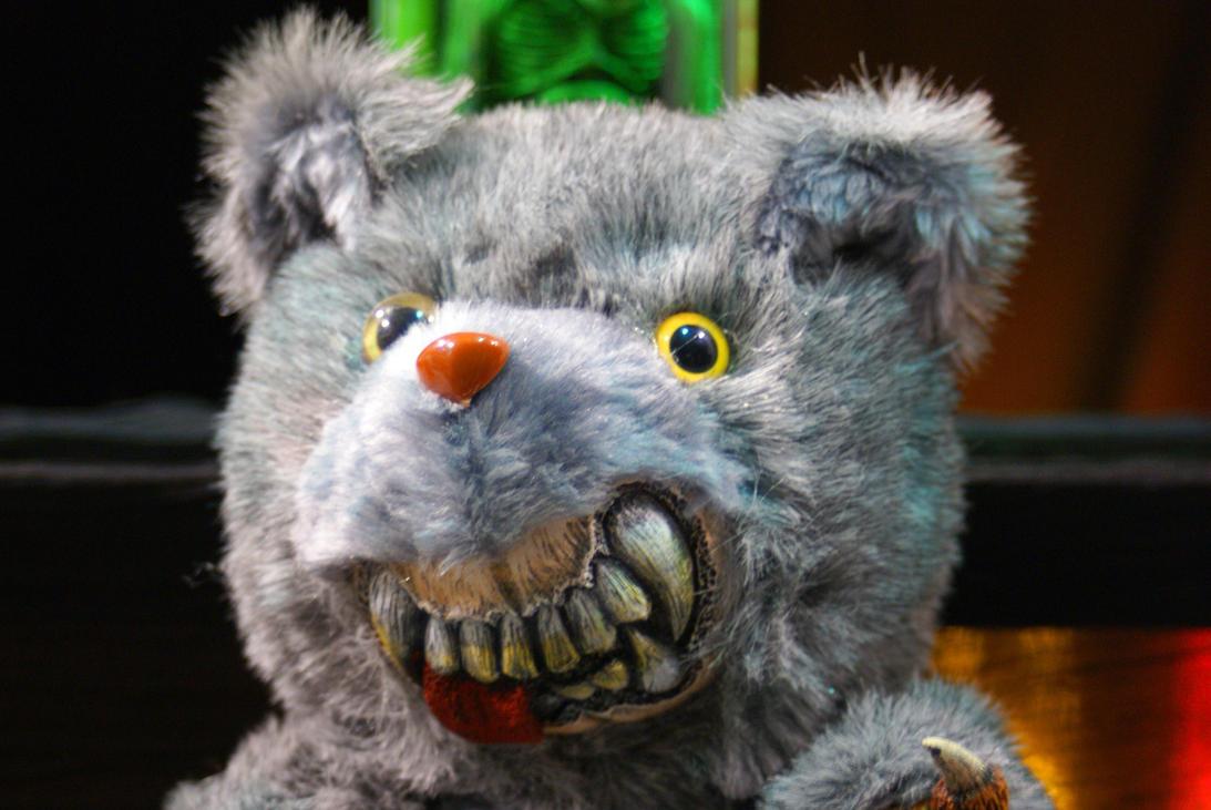 scary bear by macneto