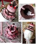 Strawberry choco cake hat