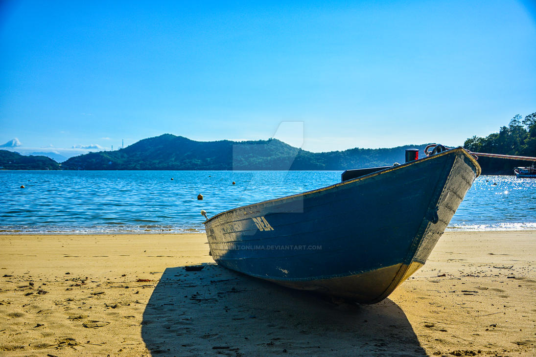 Boat at Sand 2 by ewertonlima