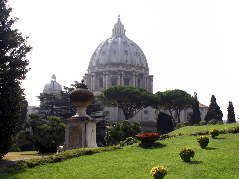 Monumental dome