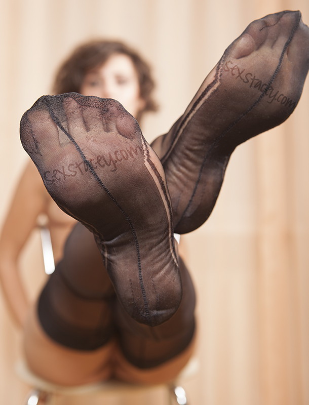 Lovely Feet and Nylons by staceyli