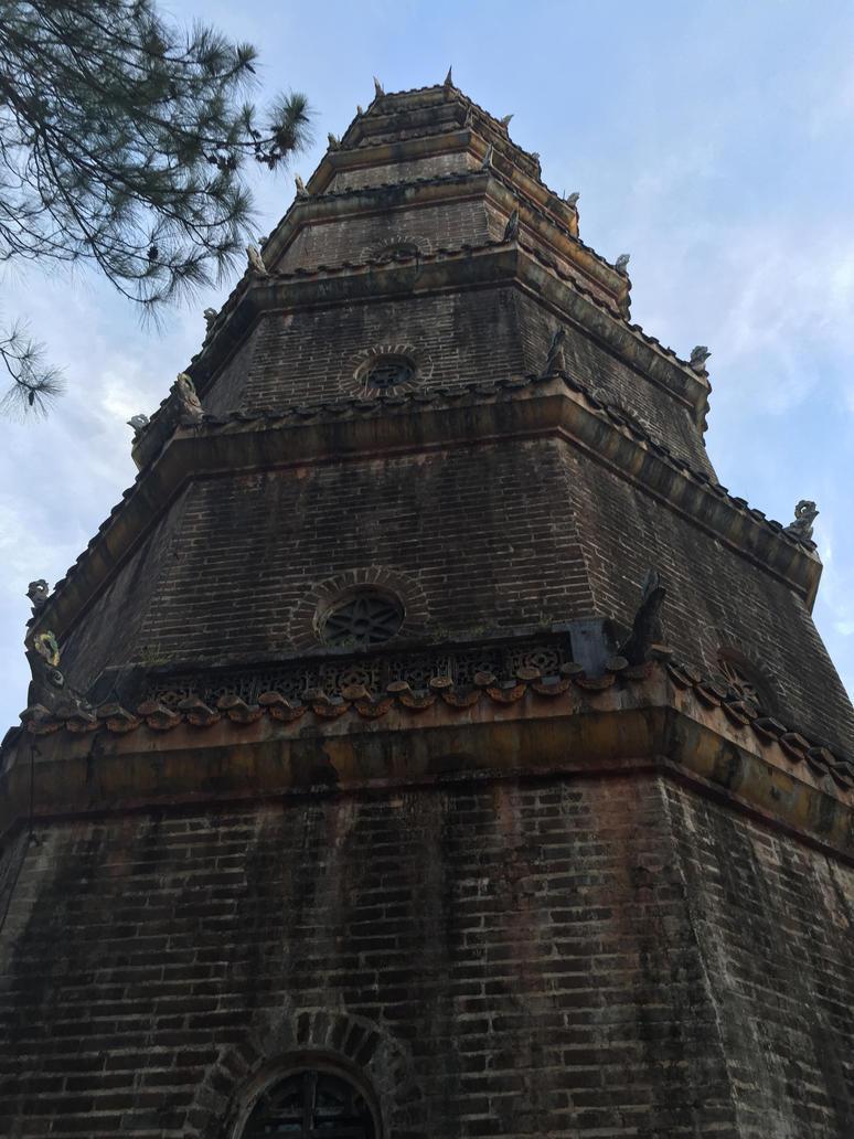 Ziggurat by sockstealingnome