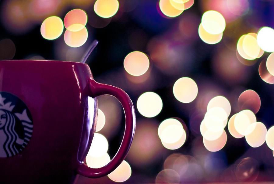 Christmas Starbucks By ARIANA1985