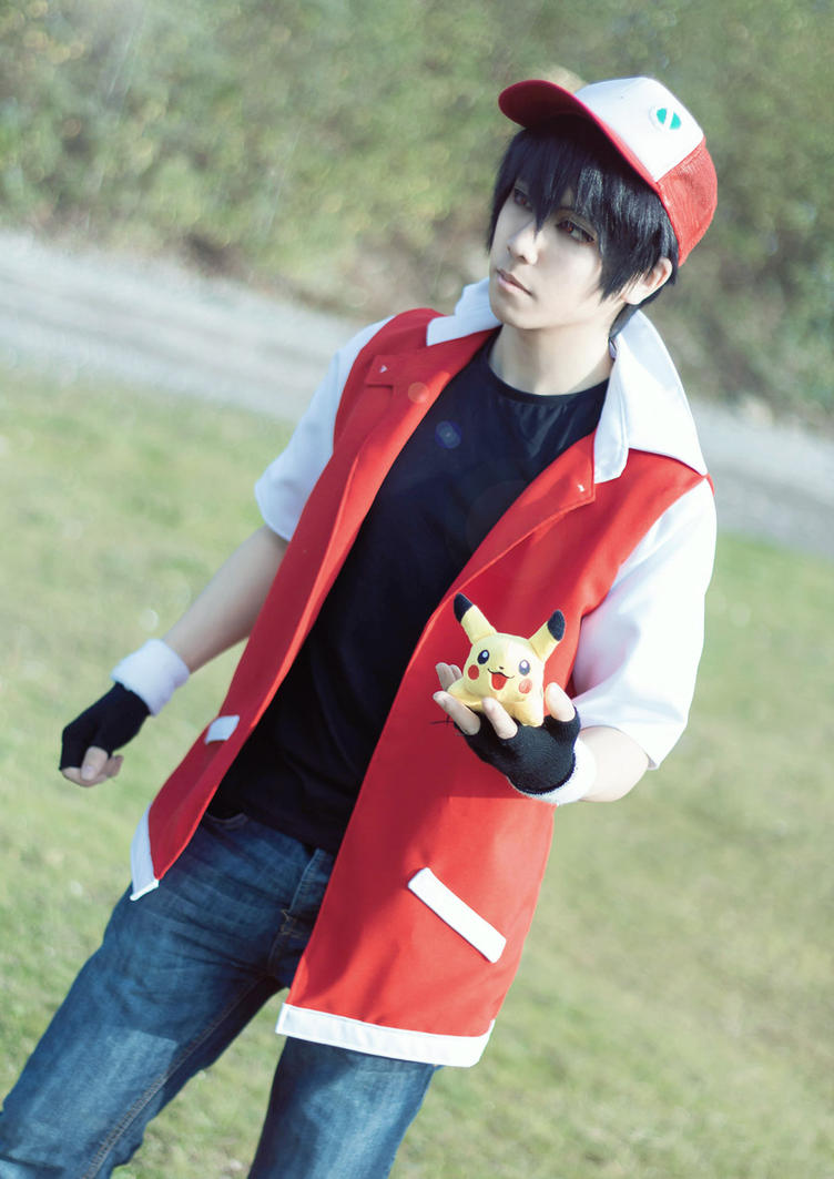 Pokemon trainer red cosplay