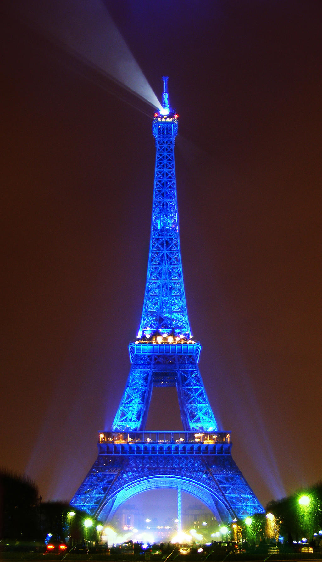 paris torre eifel by efrainlopra on deviantart