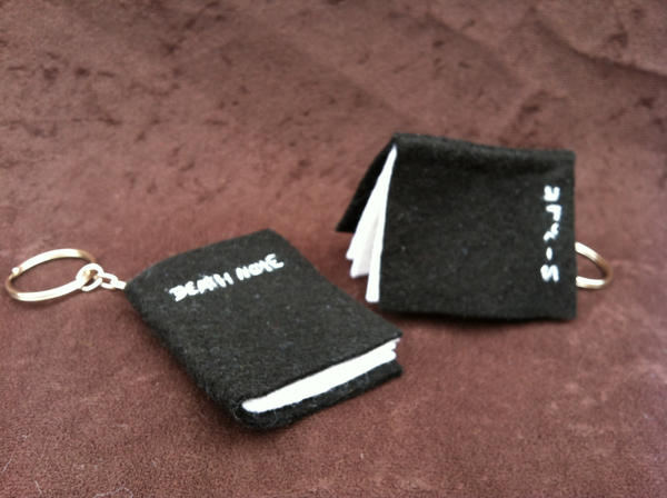 Mini Felt Deathnote Keychains by EddieDoezSewing