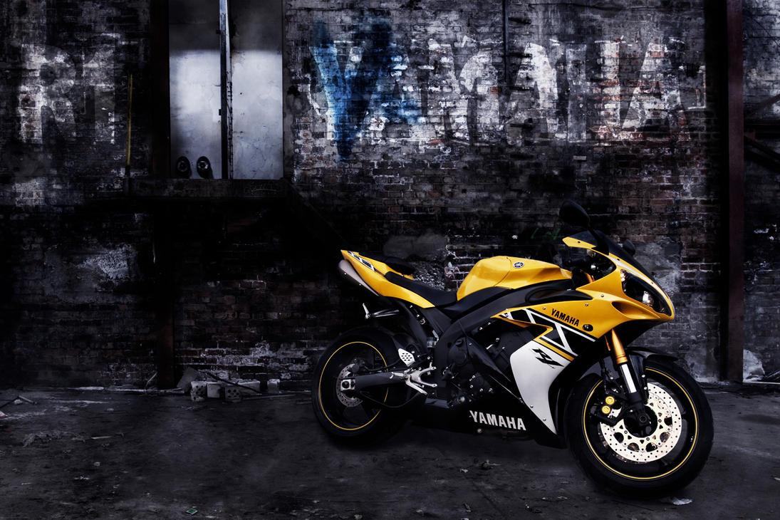 Yamaha R Anniversary Edition