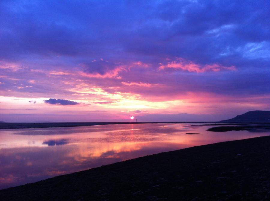 Welsh sunset. by Ihazpanda