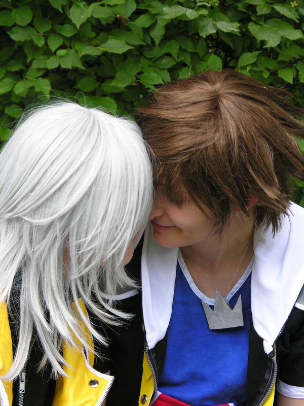 Sora - Nose kiss by SoraPilzi