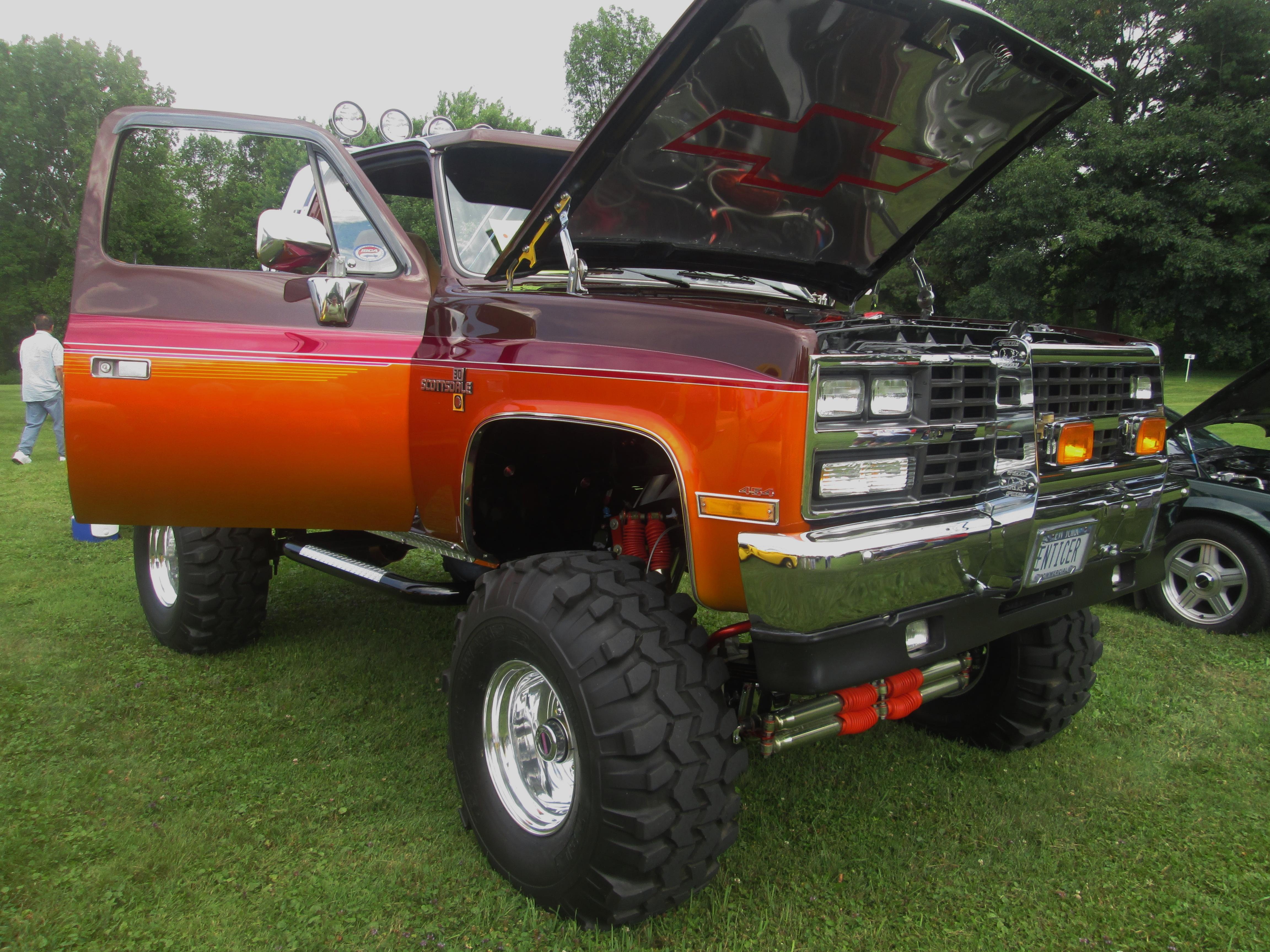 (1984) Chevrolet Scottsdale K-30 [Monster Truck]