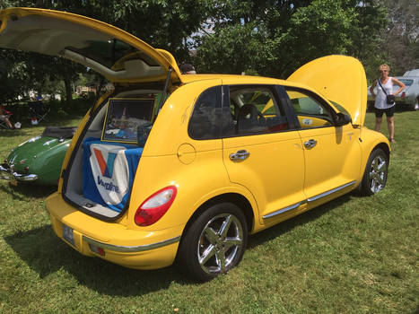 (2006) Chrysler PT Cruiser Route 66 Edition (2)