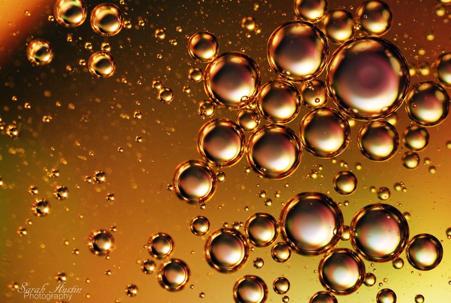 Golden bubbles. by CapnSarah