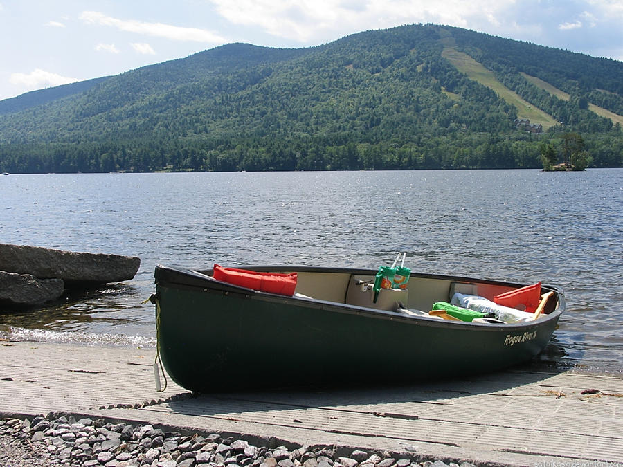 Canoe at Moose Pond by sataikasia