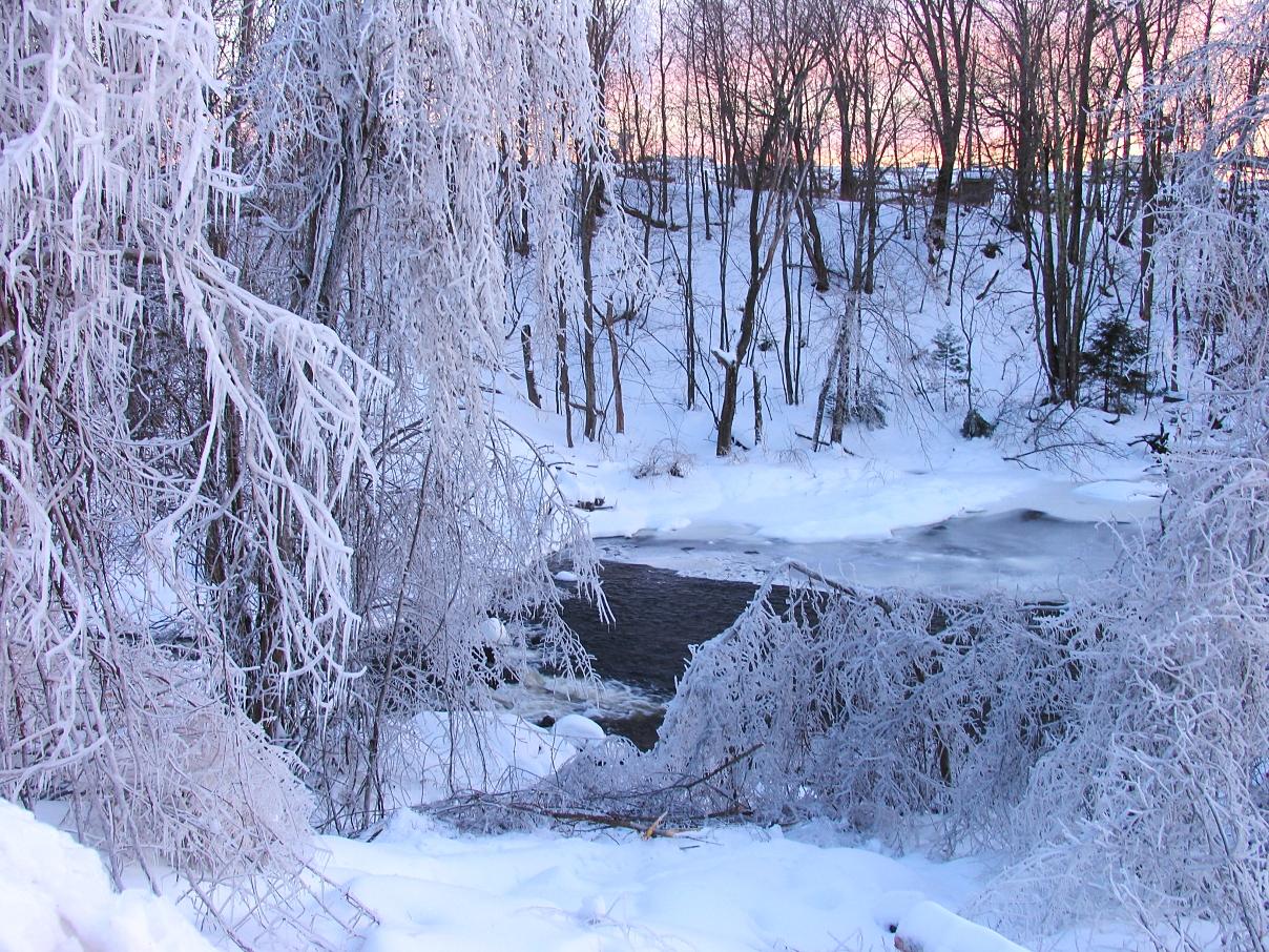 blizzard wonderland, Maine by sataikasia
