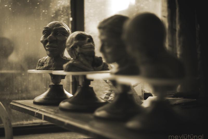Sculptures of my friend by eskitenekekutu