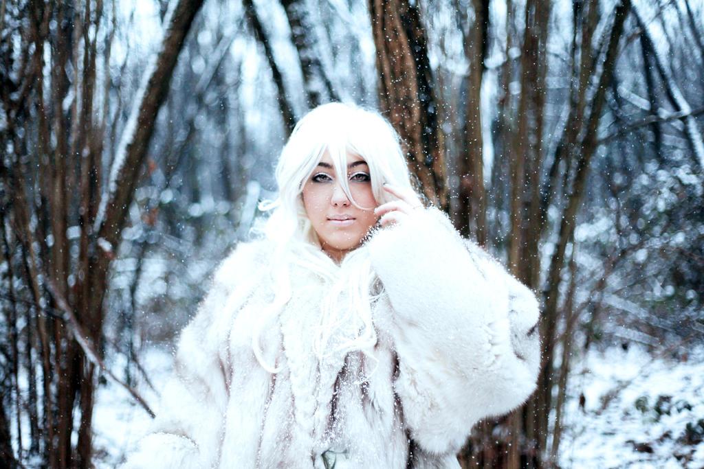 SnowQueen by FullmetalPiMpI