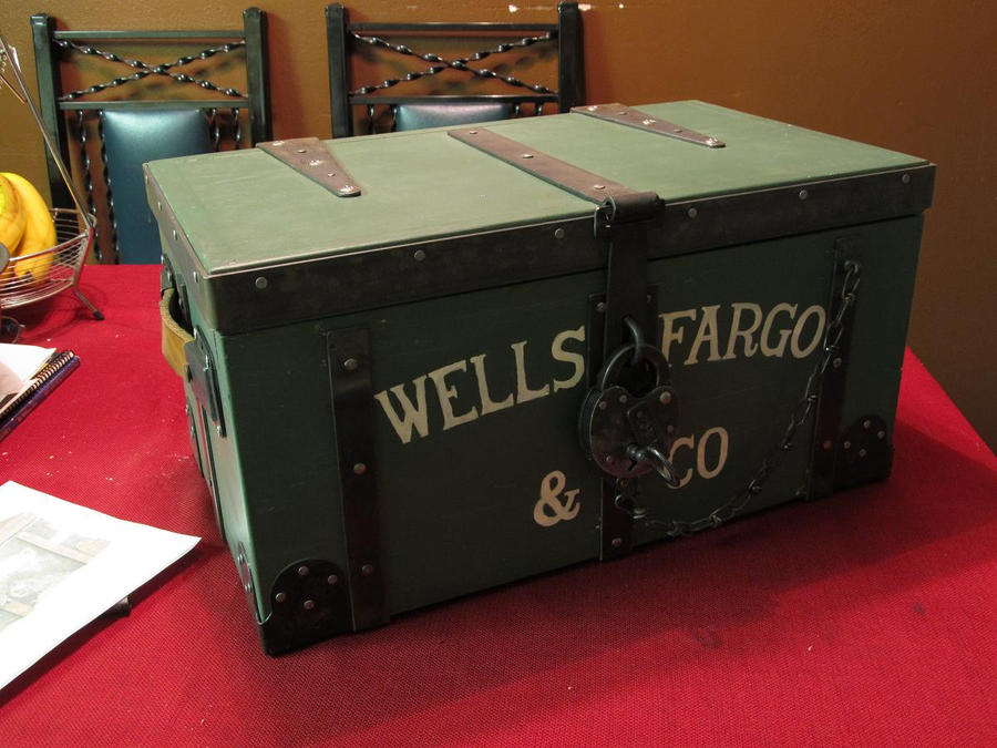 Replica Wells Fargo Strong Box