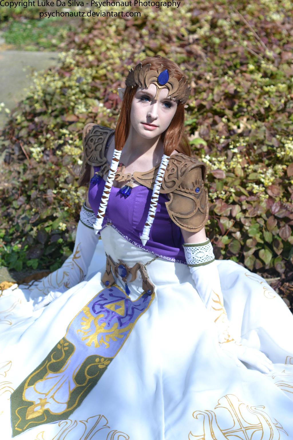 Porcelain Princess by Kitsu-Nova