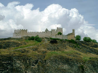 Castle on a hill by IronMantis