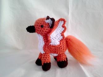 Fox Gryphon by hollyann