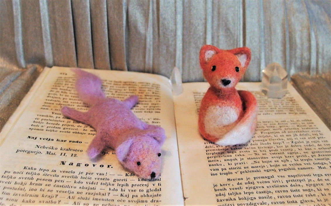 Needlefelt foxes (improvement meme) by DevilishEvelyn