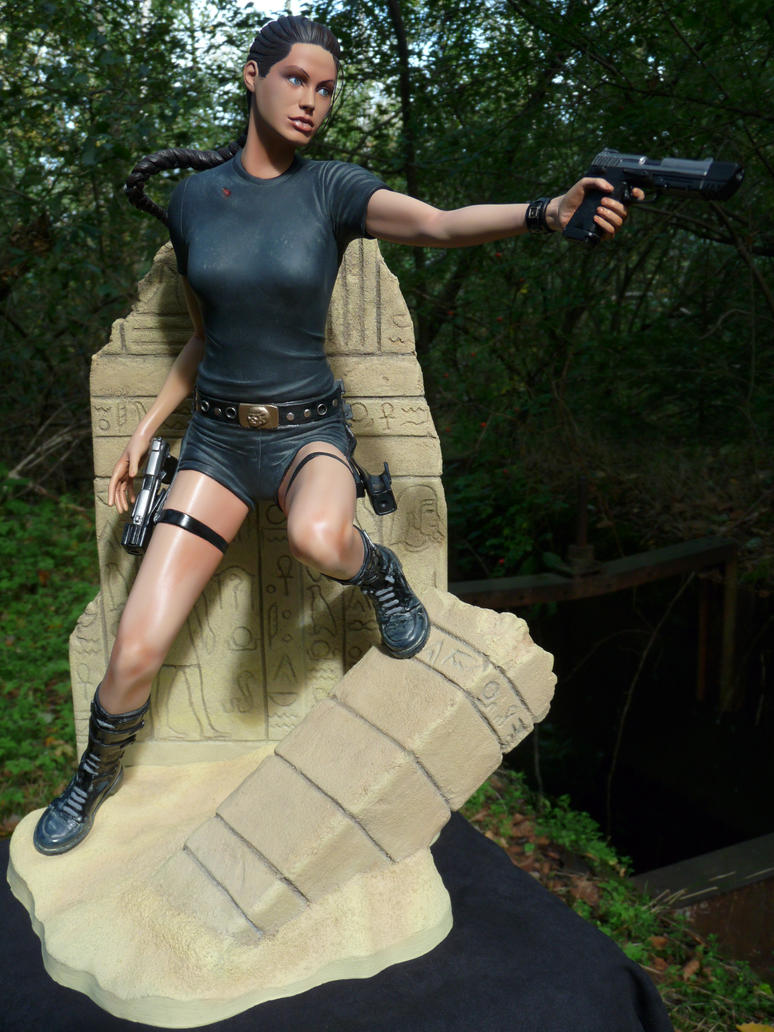 lara croft tomb raider by enelaur on deviantart