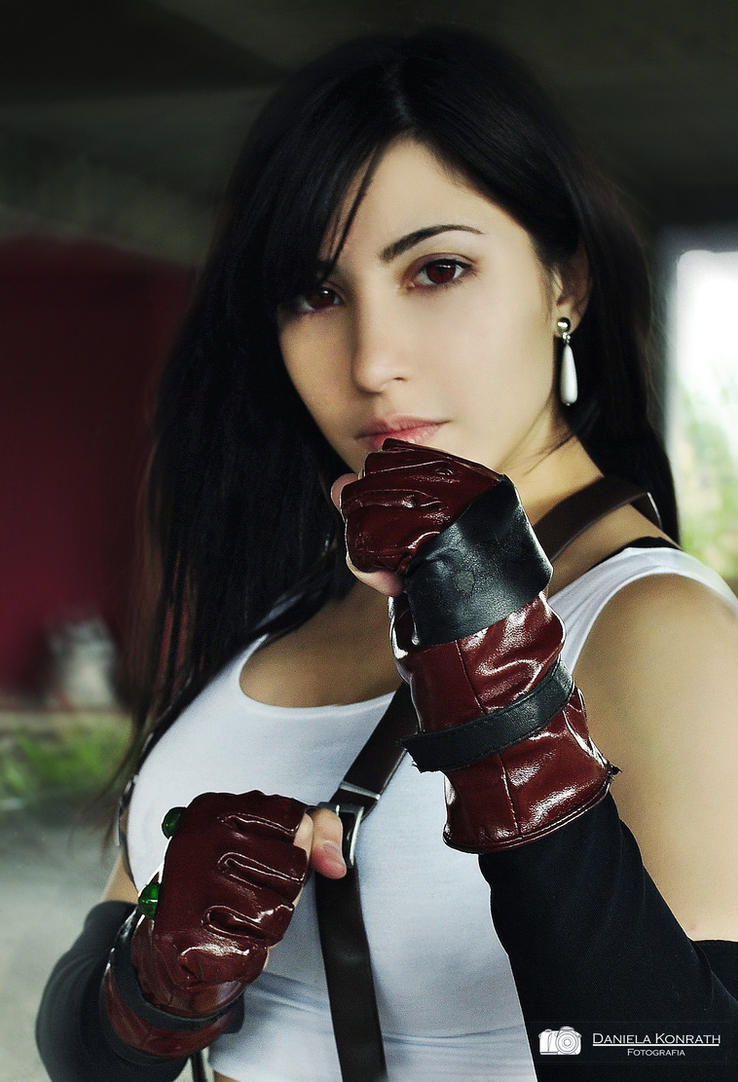 Tifa Lockhart cosplay by Danielle Vedovelli by daniellevedo