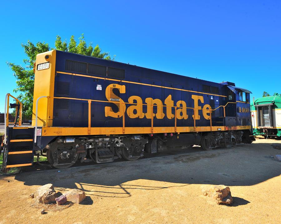Barstow Train Yard by flatsix911