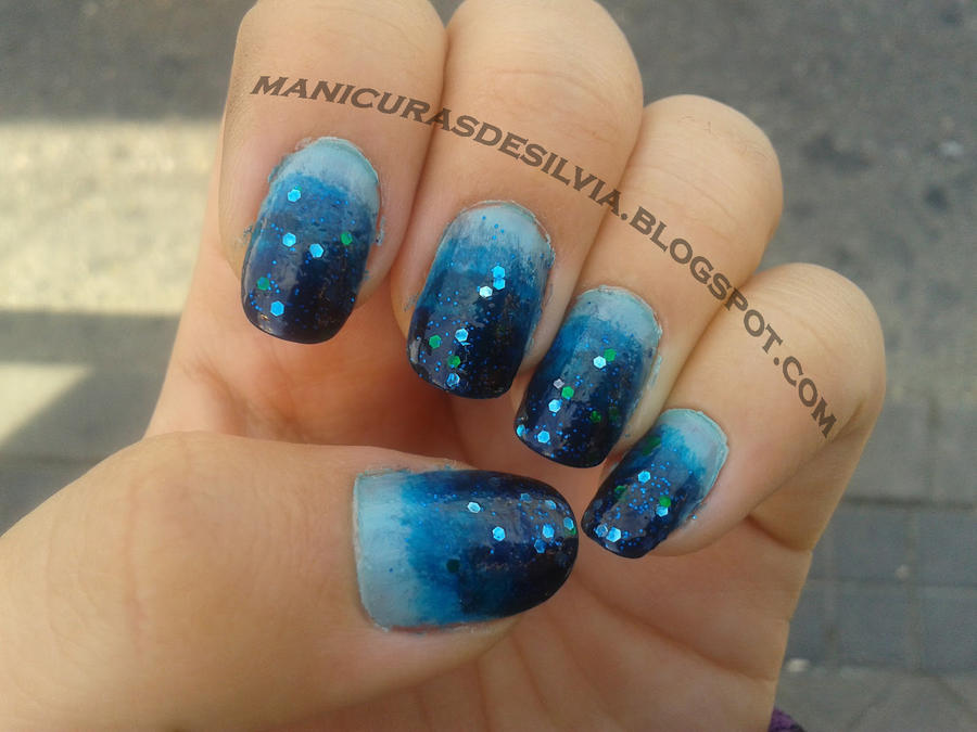 Blue Gradient nail art by kotobayaoi