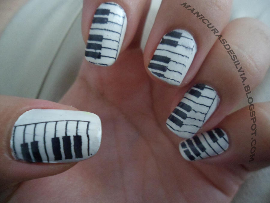 Piano nails by kotobayaoi