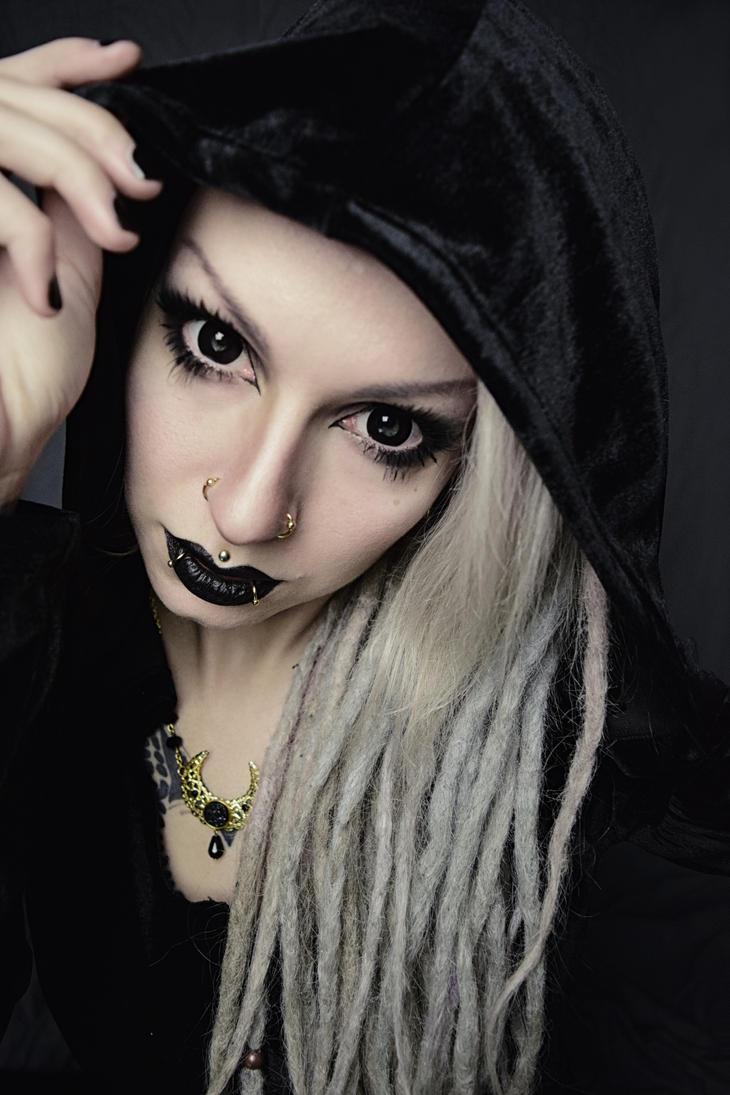 Dark witch by AshtrayheartRomina